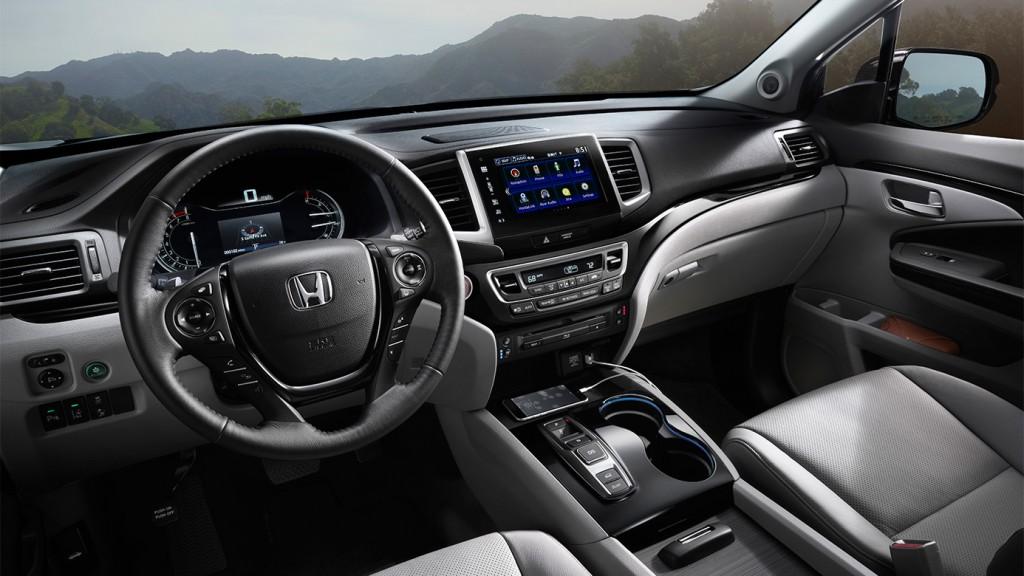 2016 Honda Pilot cockpit