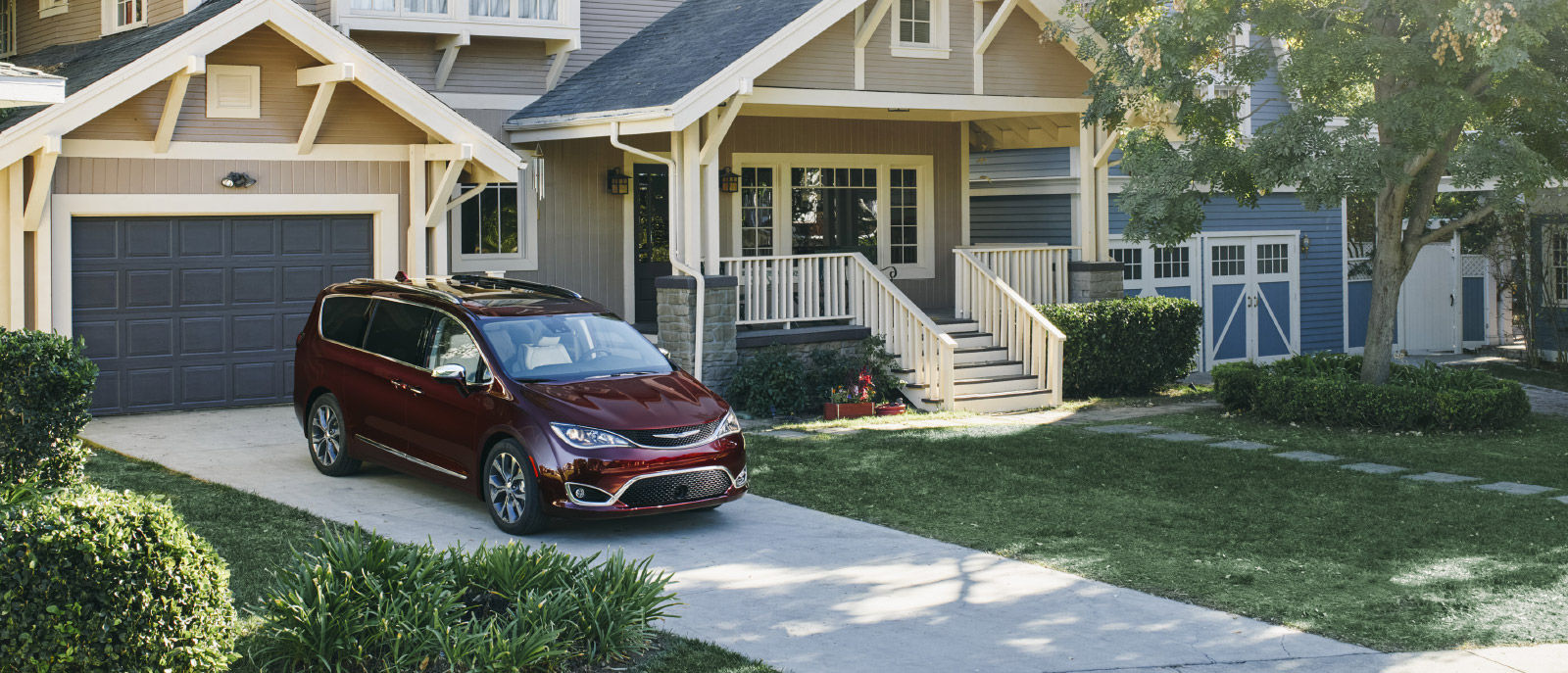 2017 Chrysler Pacifica driveway