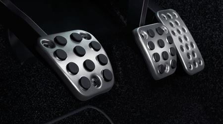 2017 Honda Civic Hatchback pedals
