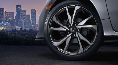 2017 Honda Civic Hatchback wheels