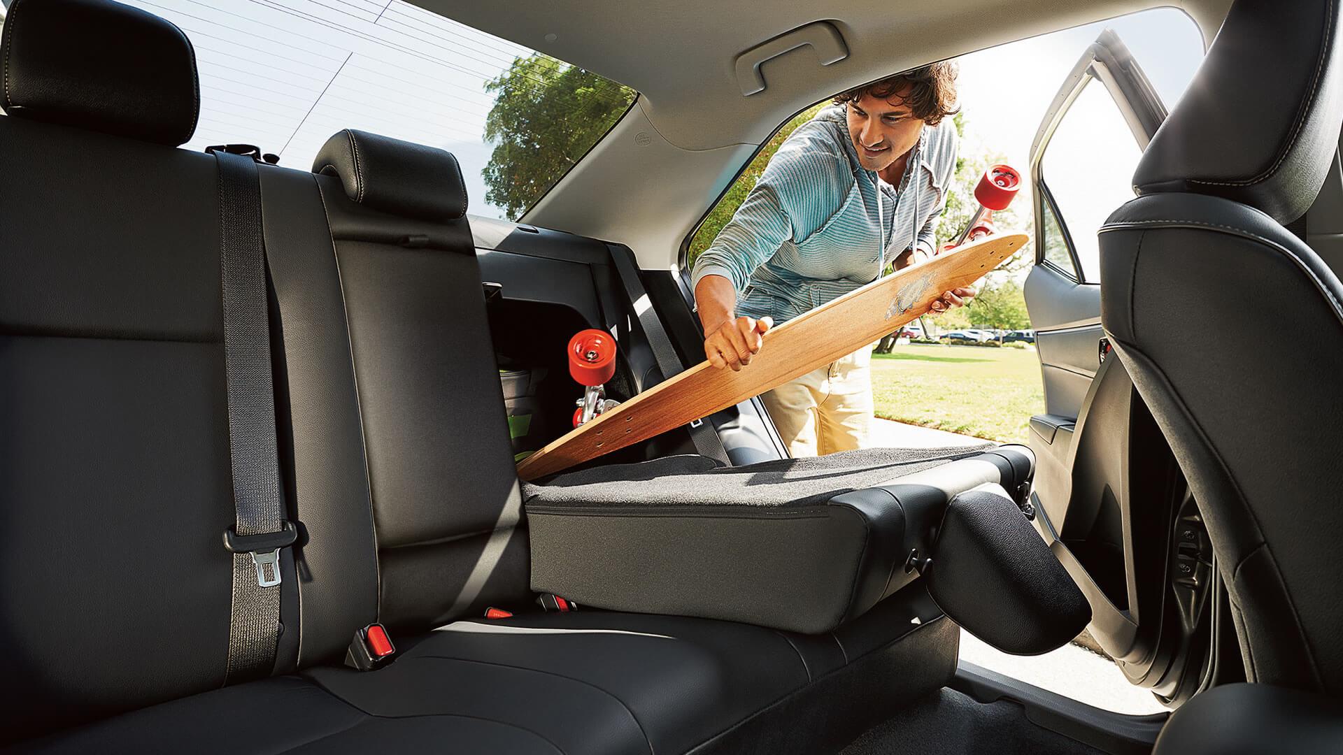 2016 Toyota Corolla interior features