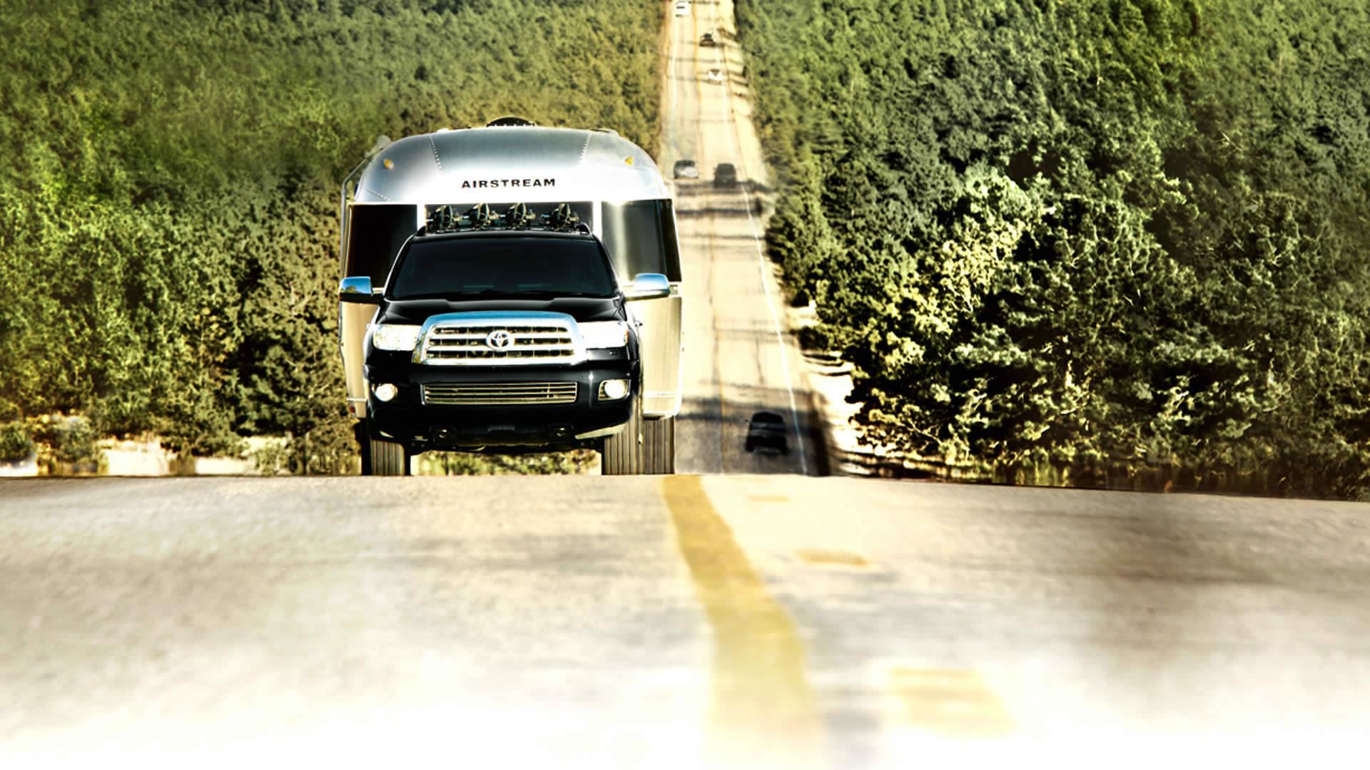 2016 Toyota Sequoia tow