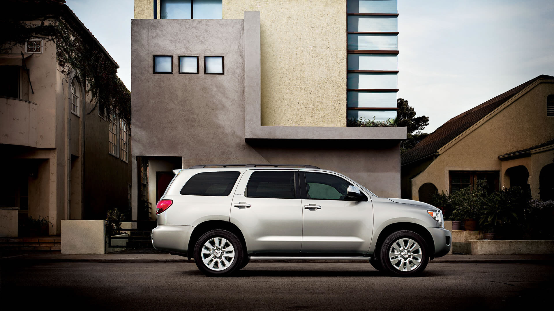 2016 Toyota Sequoia side