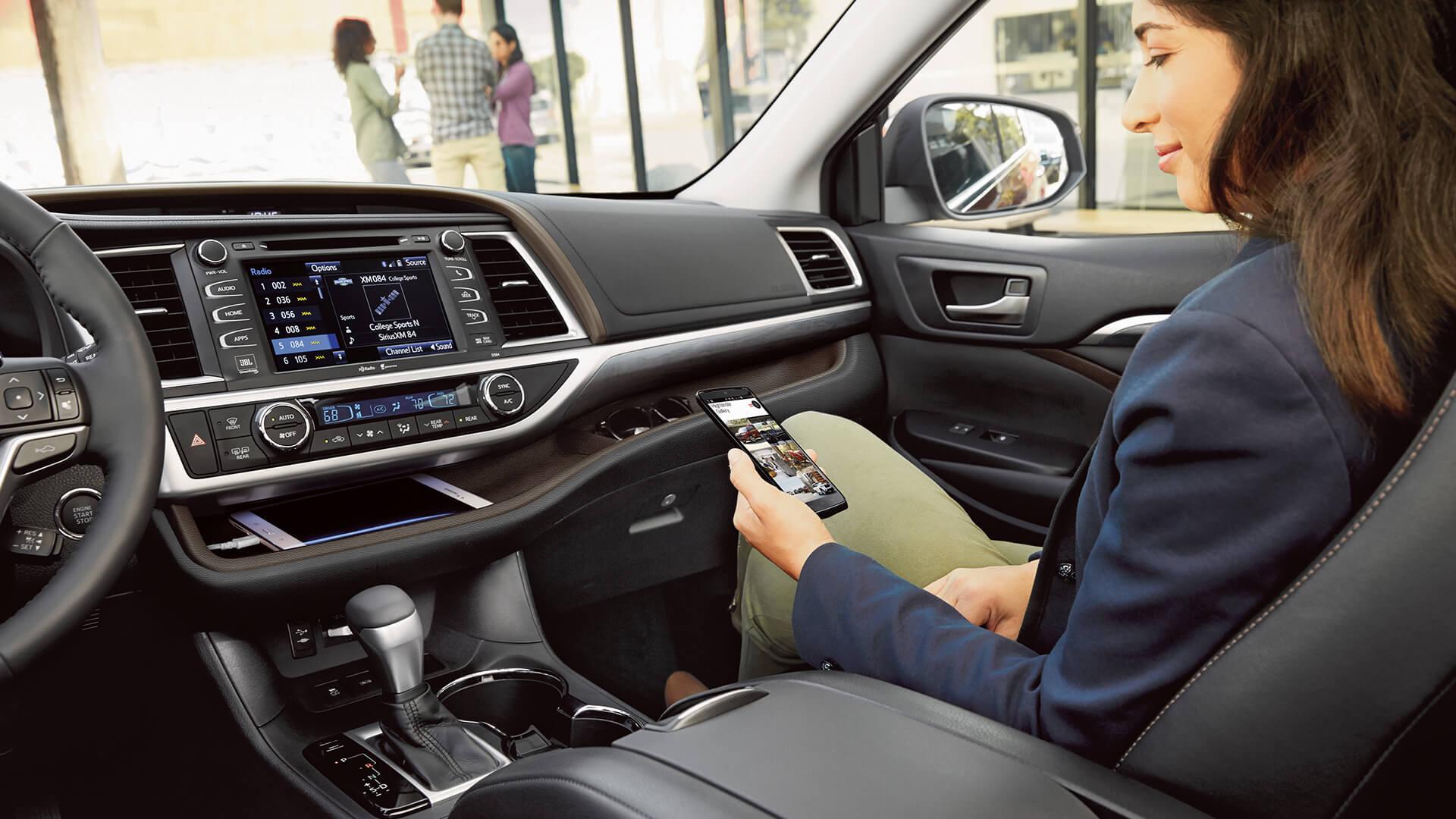 2017 Toyota Highlander Passenger