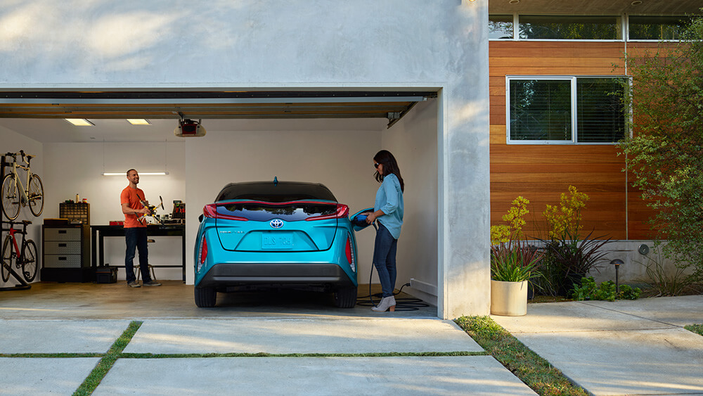 2017 Toyota Prius Prime Garage