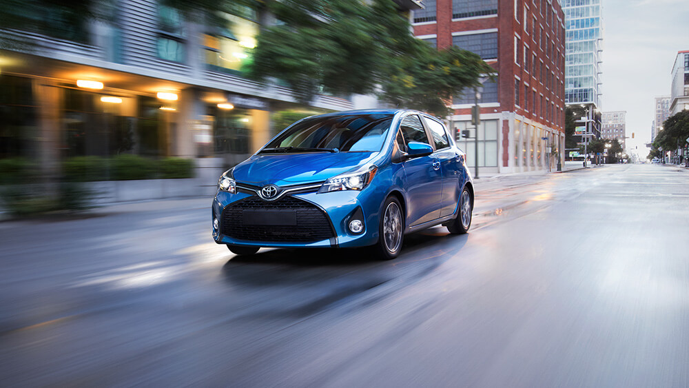 2017 Toyota Yaris Driving