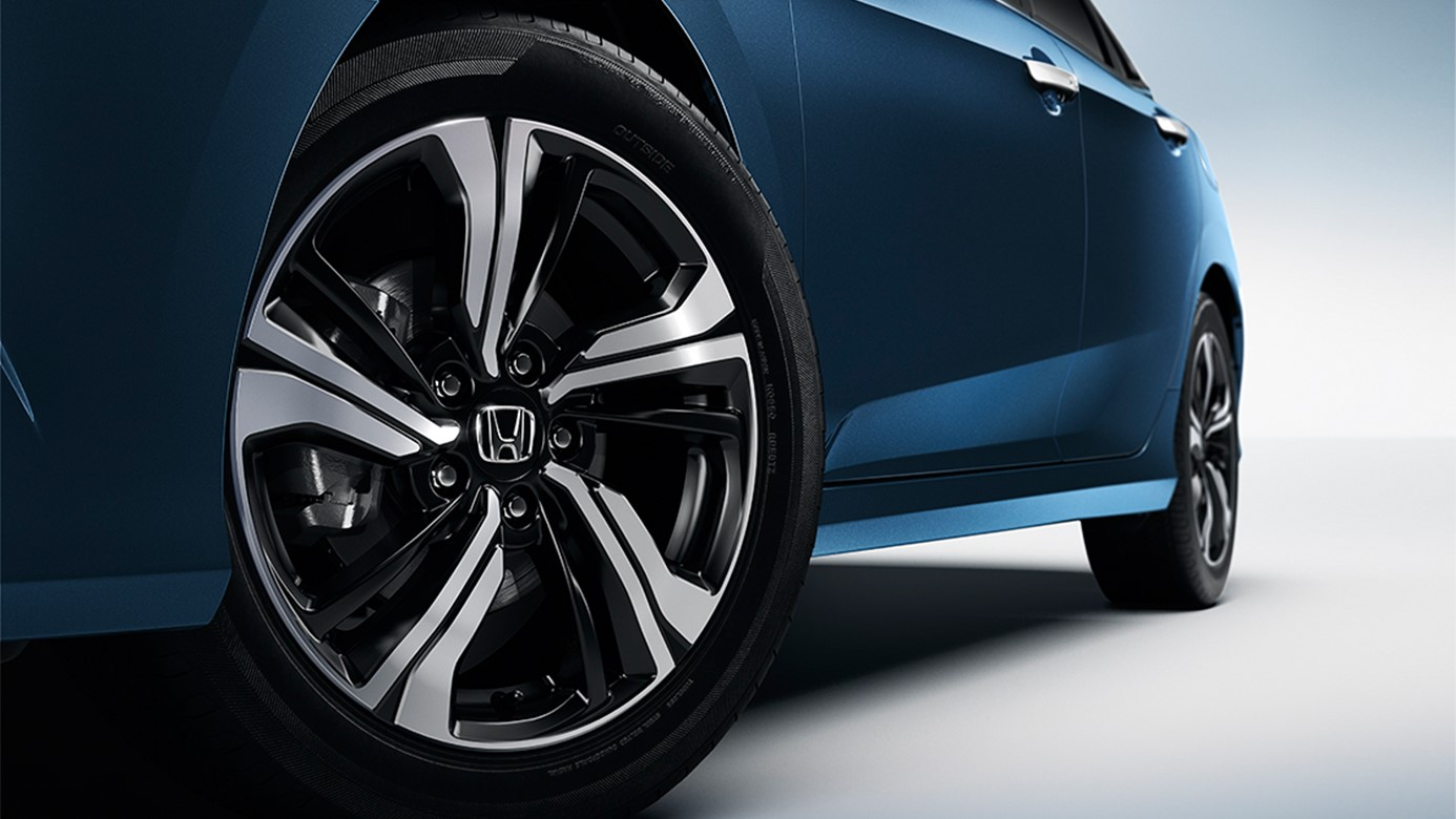 2016 Honda Civic Tires