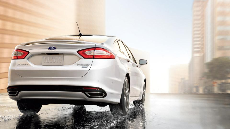 2016 Ford Fusion Energi Rear