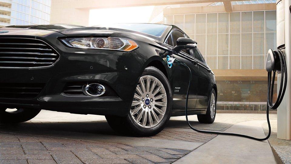 2016 Ford Fusion Energi Charging