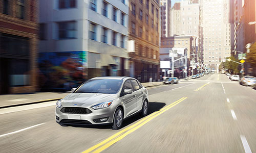 2017 Ford Focus Driving