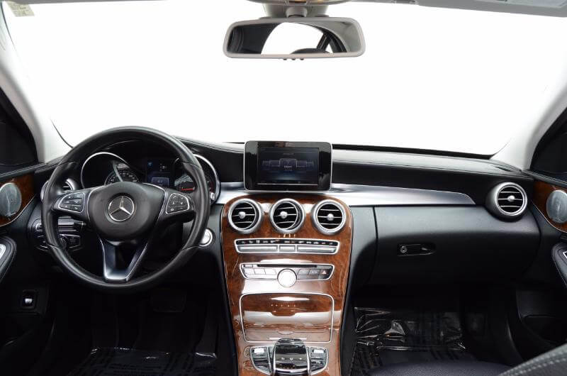 2015 Mercedes C300 Lxurry Interior Looing Forward