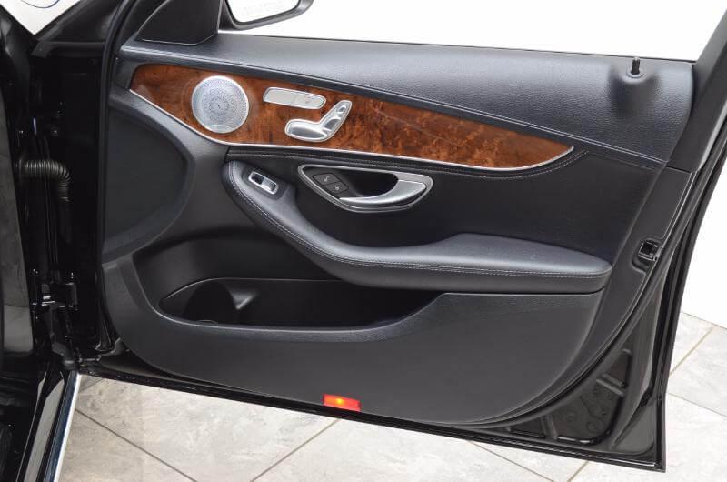 2015 Mercedes C300 Lxurry Interior Pasengers Side Door