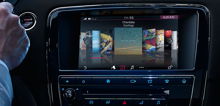2016 Jaguar XJ Touchscreen