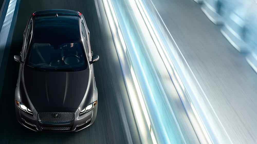 2016-Jaguar-XJ-Top1