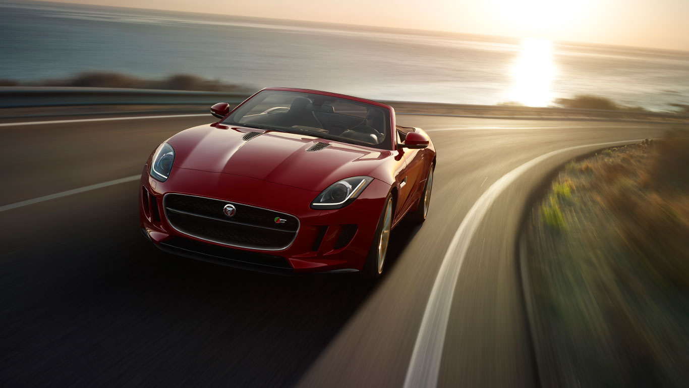 2017 Jaguar F-Type Convertible curve