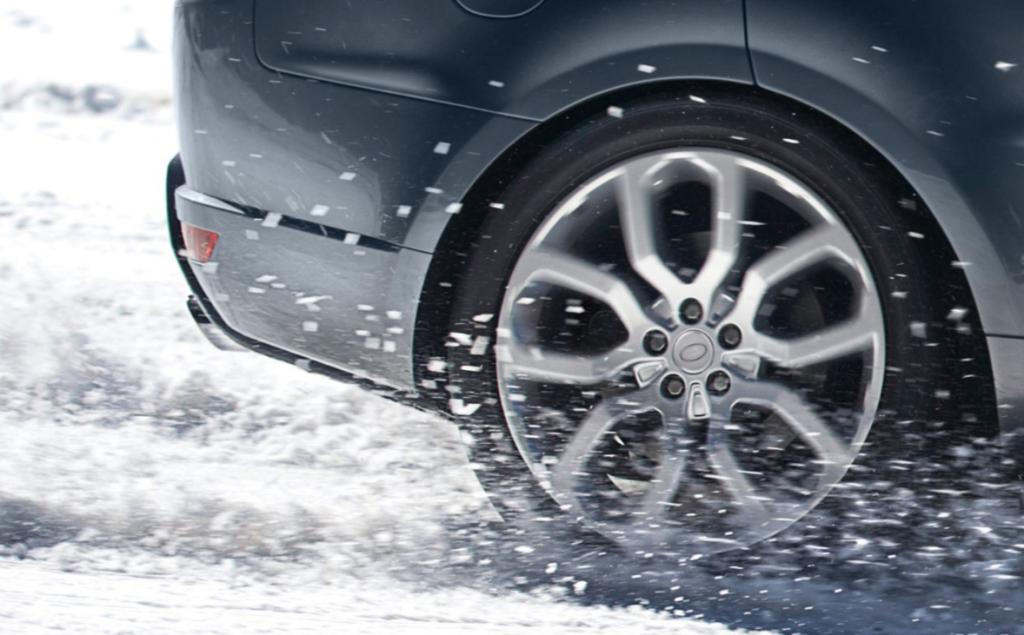Range Rover Sport Snow