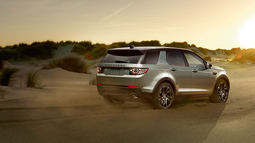 Land Rover Discovery Sport Off Road in Desert