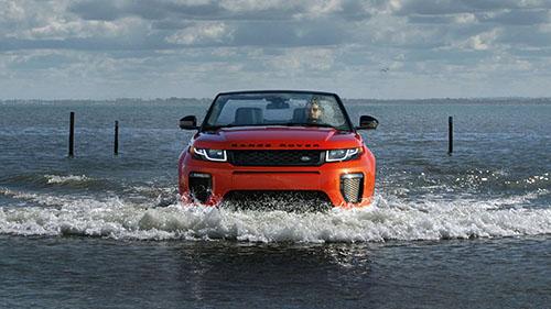 2017 Land Rover Range Rover Evoque in water