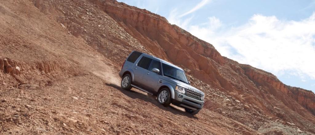 2016-Land-Rover-LR4 downhill