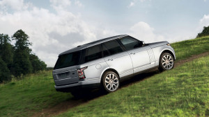 2016 Range Rover uphill