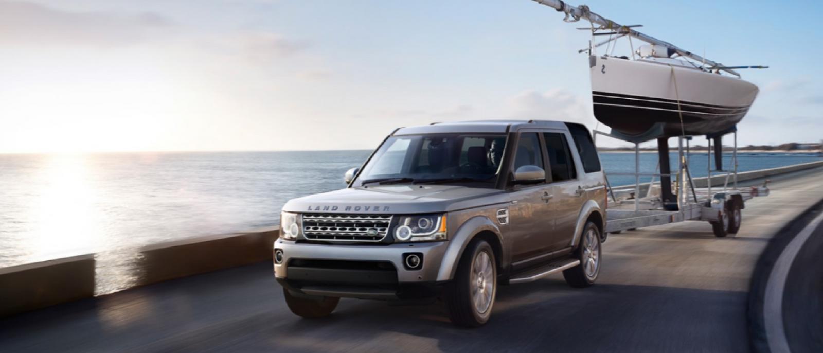 2016-Land-Rover-LR4-Exterior