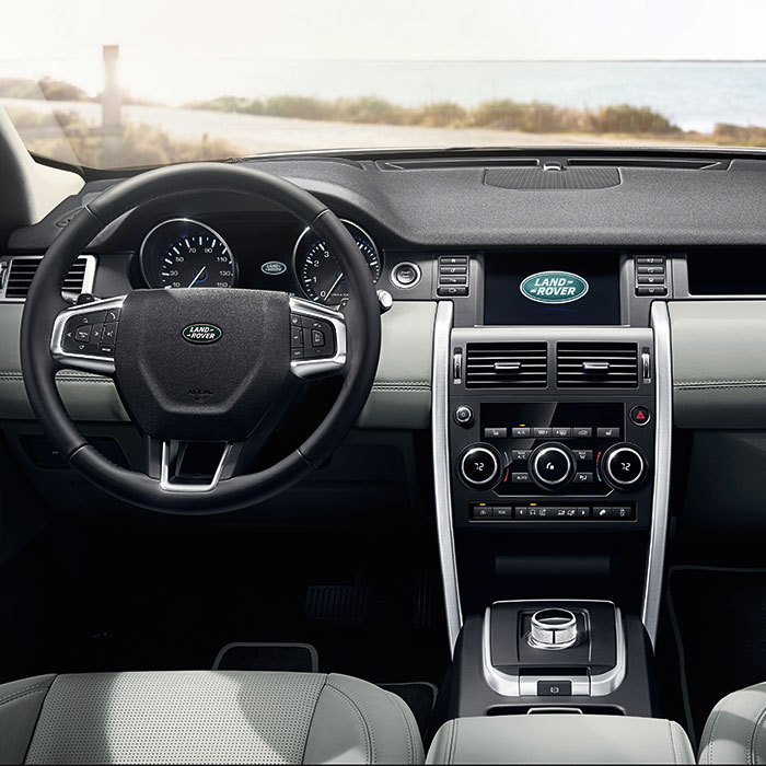 2016 Land Rover Discovery Sport SE Interior Dashboard
