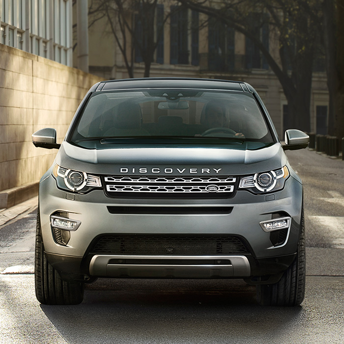 2016 Land Rover Discovery Sport SE Exterior Front View