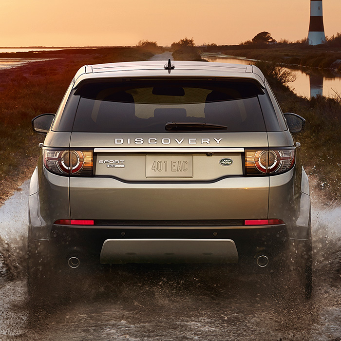 2016 Land Rover Discovery Sport SE Exterior Rear View Driving