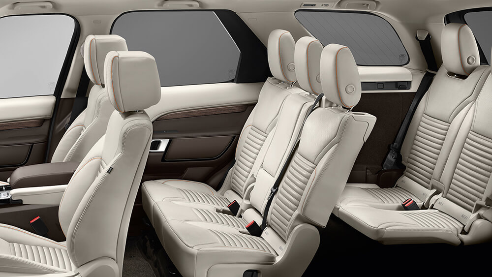 2017 Land Rover Discovery Seats