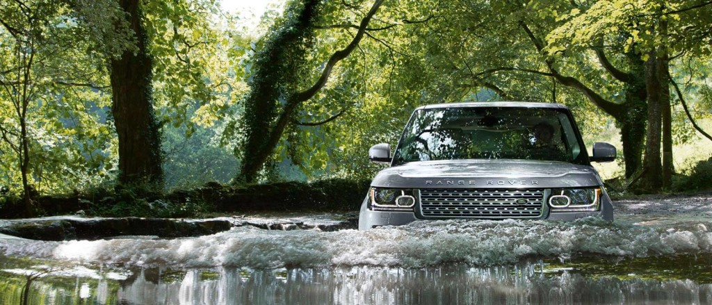 2016 Range Rover crossing the river