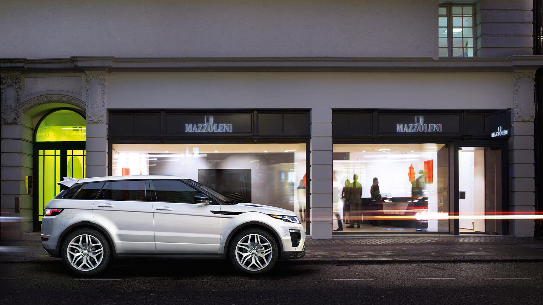 2017 Range Rover Evoque side