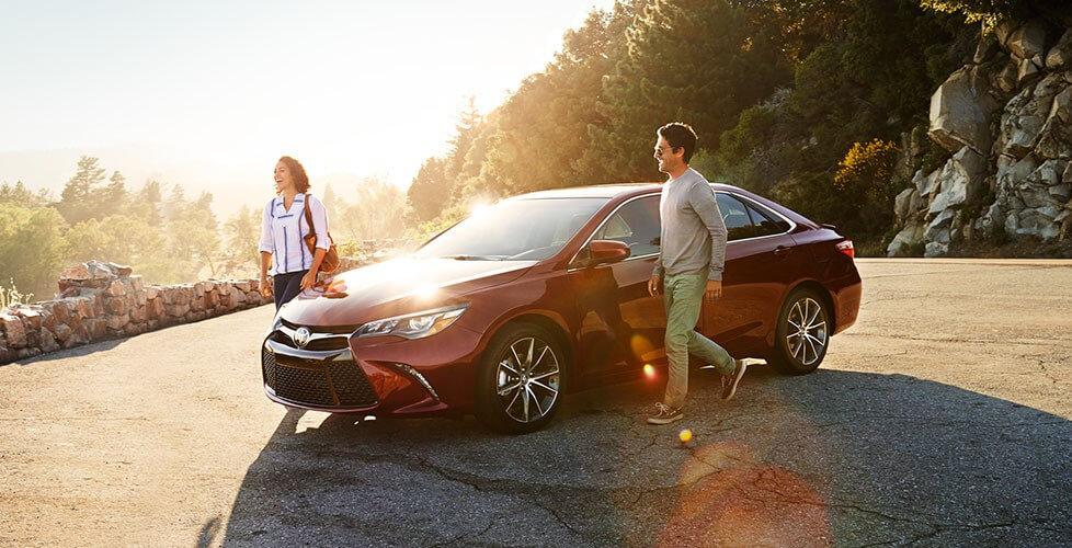 2016 Toyota Camry Hybrid trims