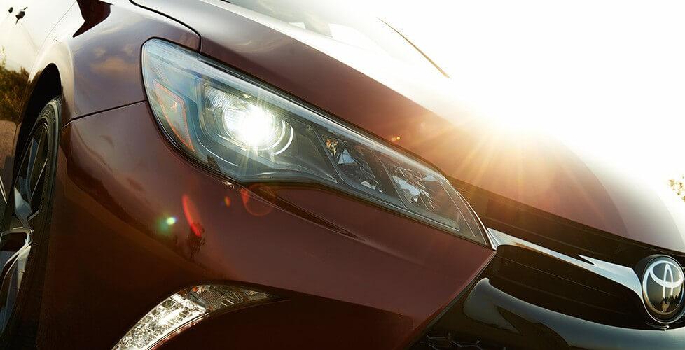 2016 Toyota Camry Hybrid performance