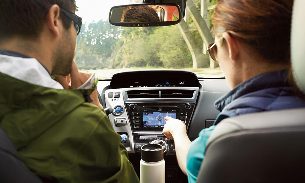 2017 Toyota Prius v people navigating