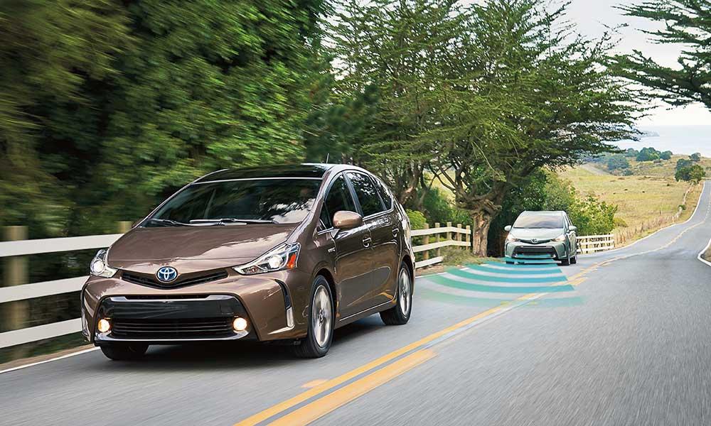 2017 Toyota Prius v safety tech