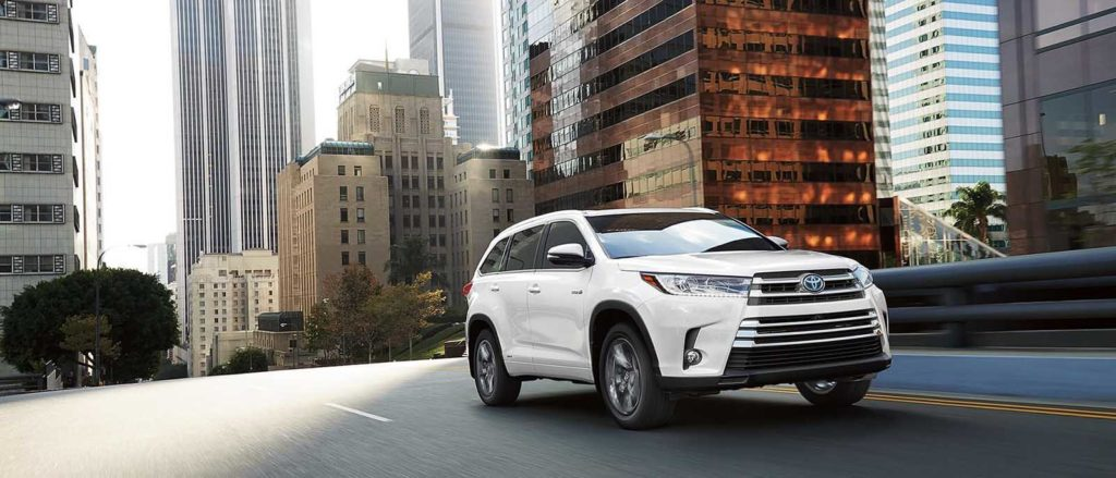 2017 Toyota Highlander in the city