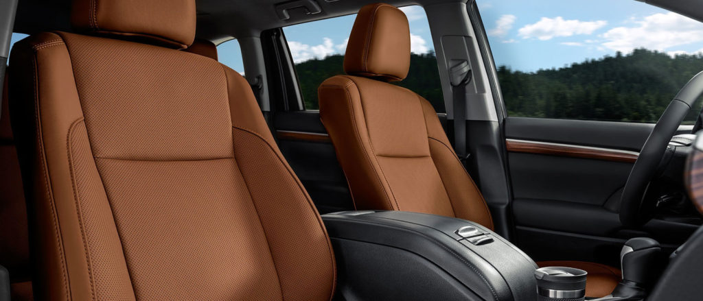 2017 Toyota Highlander seating