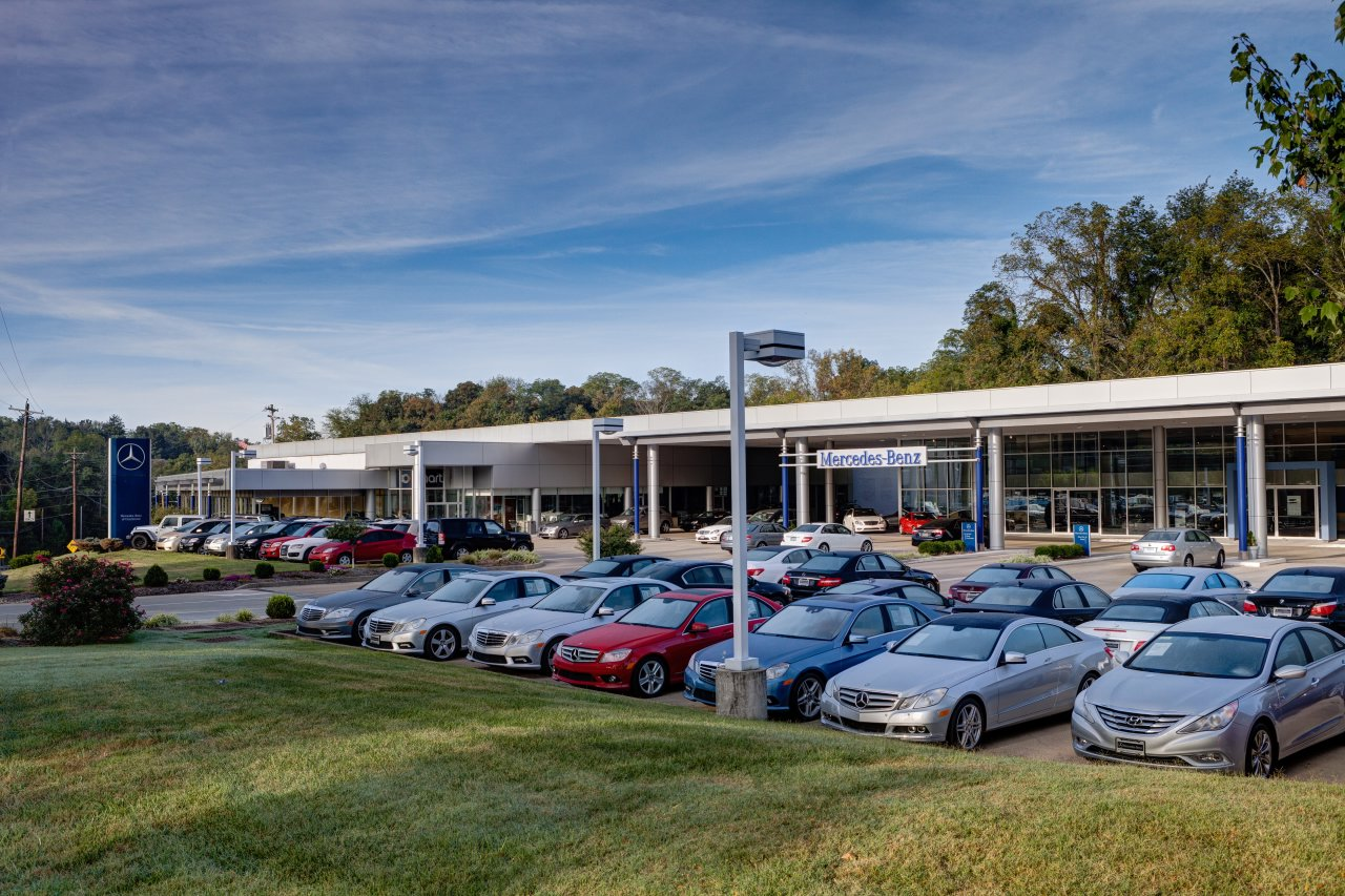 Neyra motor cars llc in cincinnati oh 45242 citysearch for Mercedes benz dealership seattle
