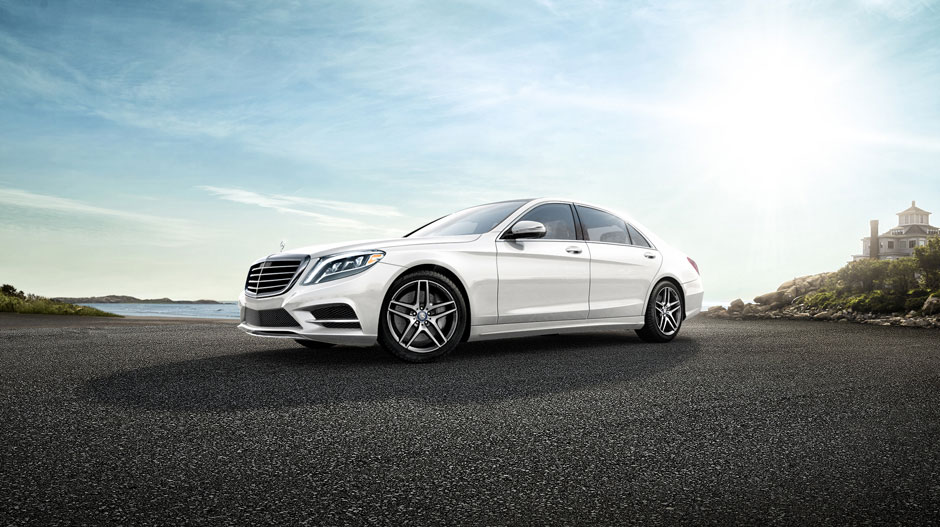 2017 Mercedes-Benz S-Class Sedan Front View Driving