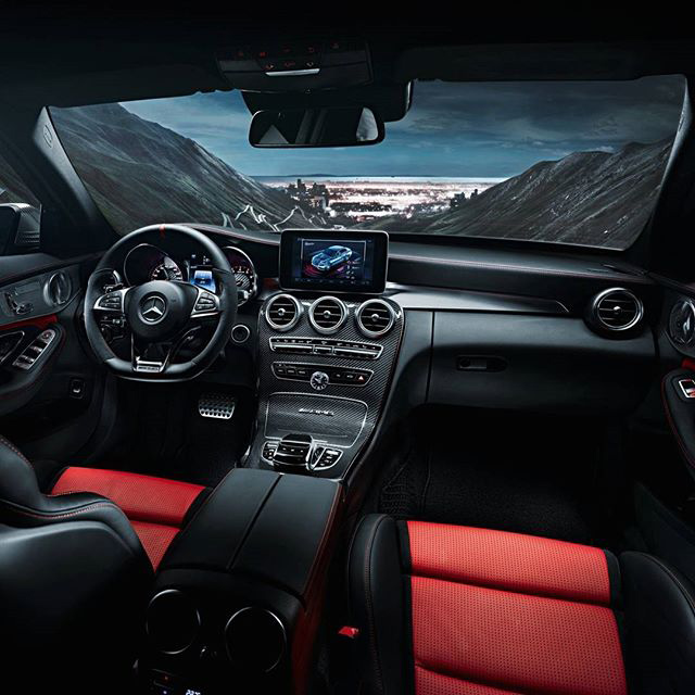 2016 Mercedes-Benz E-Class Dashboard