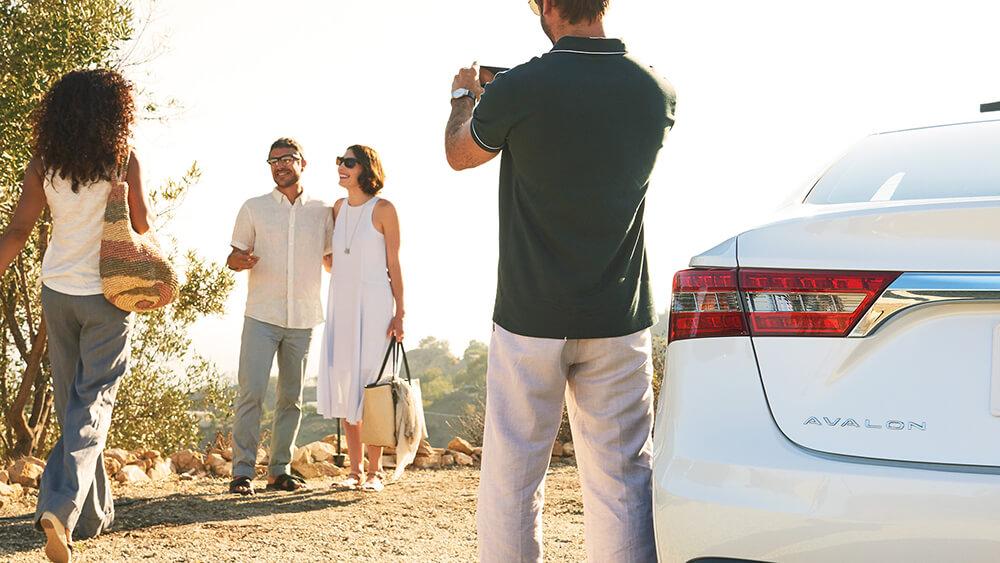 2016 Toyota Avalon Hybrid Photographer