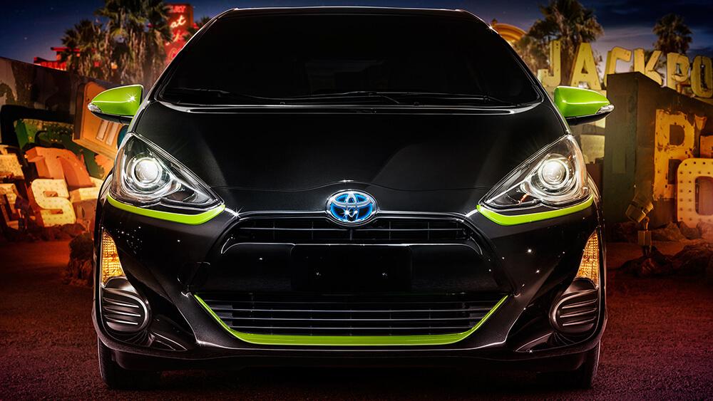 2016 Toyota Prius c Grill