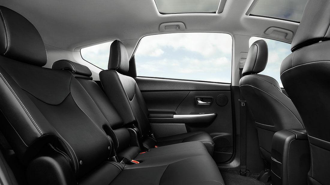 2017 Toyota Prius v Seats