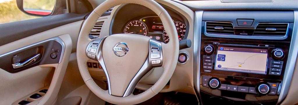 2017-Nissan-Altima-Interior-2